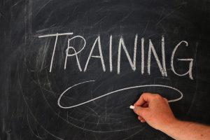 Guide d'entretien comprenant des questions autorisées et des pièges à éviter.